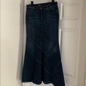 Bebe Winter jean skirt